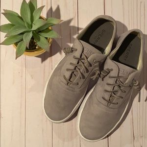 Almost New Sperry Top Sider in a faux gray suede!